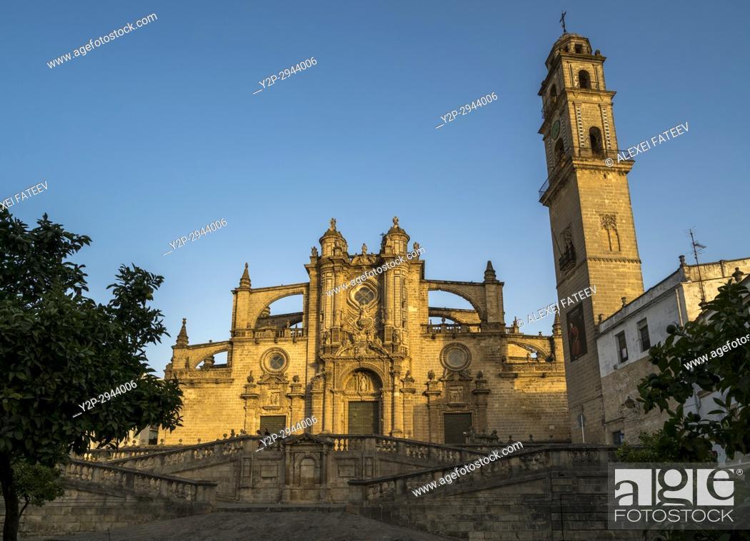 Imagen: Cathedral of San Salvador in Jerez de la Frontera, Andalucia, Spain.