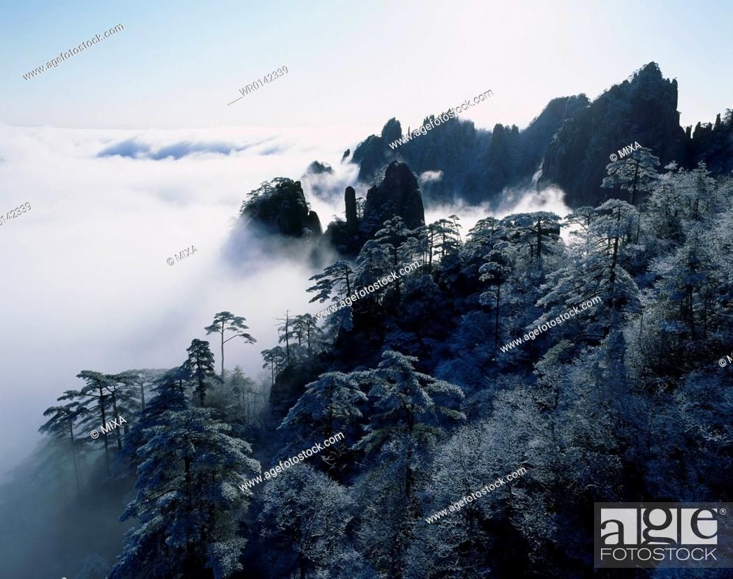 Stock Photo: Mount Huangshan in Winter, Anhui Province, China.