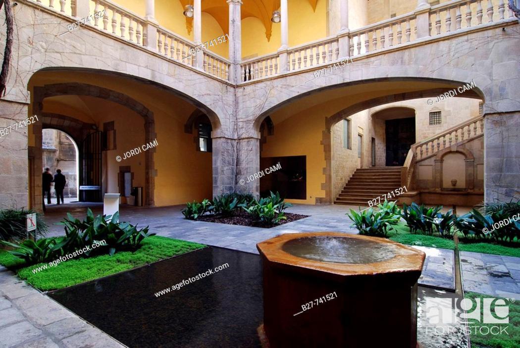 Stock Photo: Palau del Lloctinent, Arxiu de la Corona d'Aragó, Gothic quarter, Barcelona, Catalonia, Spain.