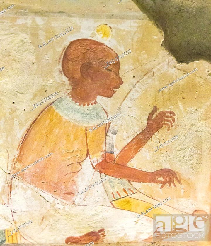 Imagen: UNESCO World Heritage, Thebes in Egypt, Valley of the Nobles, tomb of Nakht. Blind harpist.