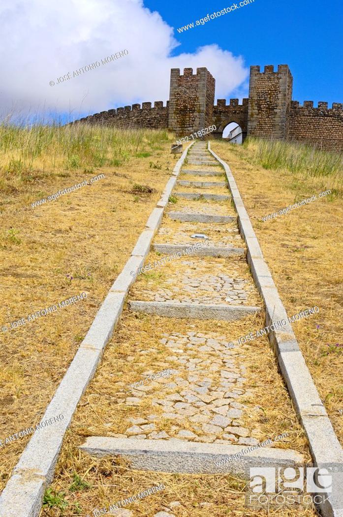 Stock Photo: Arraiolos castle  Alentejo, Portugal.
