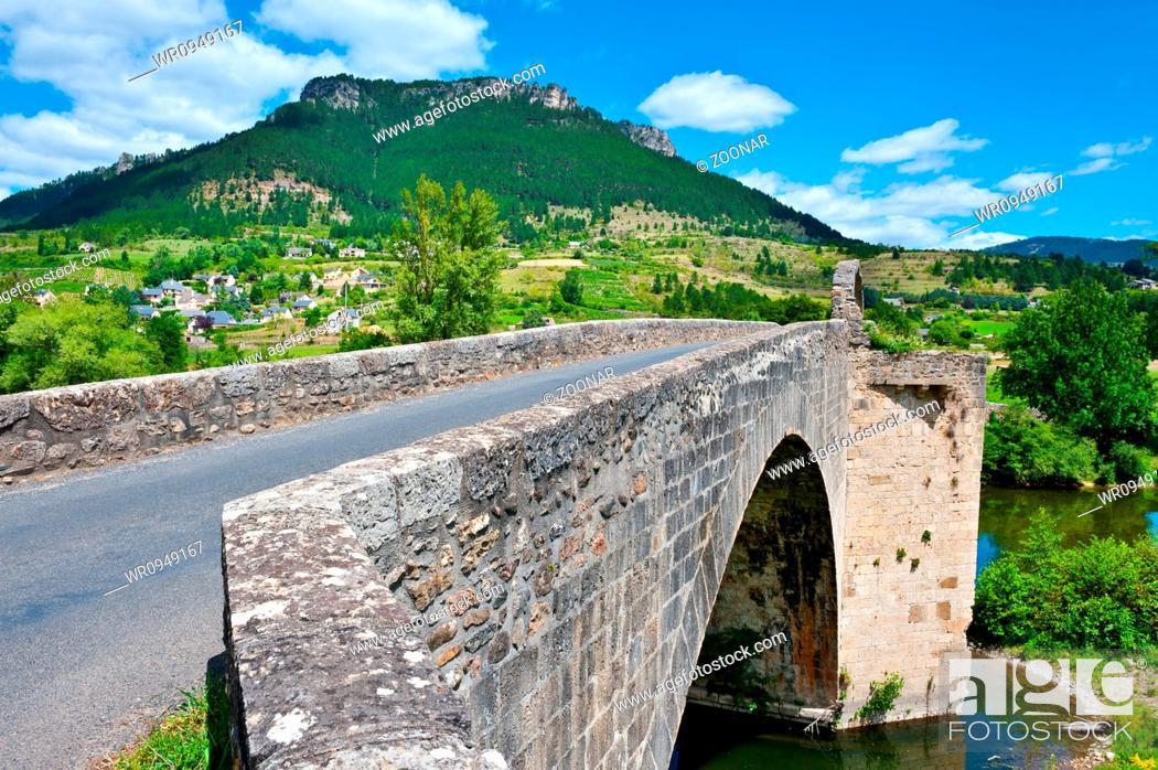 Stock Photo: Stone Bridge.