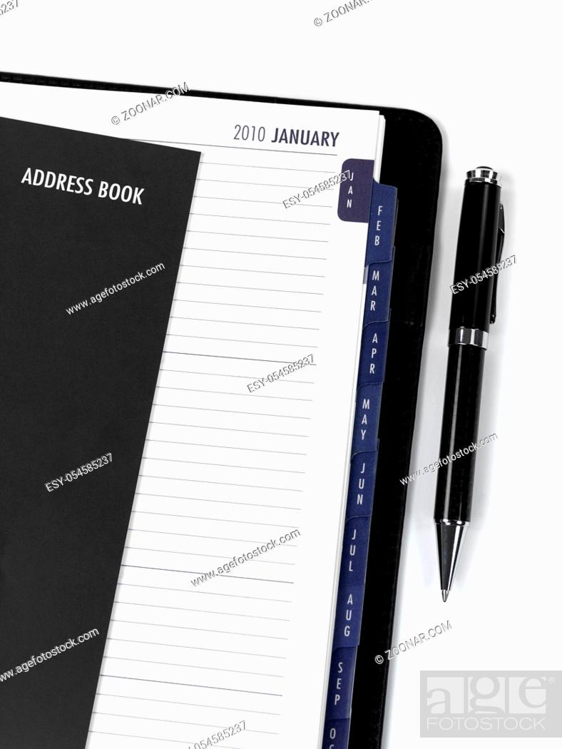 Imagen: A 2010 Diary isolated against a white background.