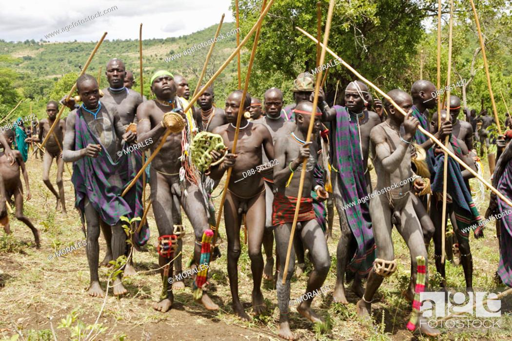 Photo de stock: Donga ceremony. Surma tribe. Near Kibish. Ethiopia.