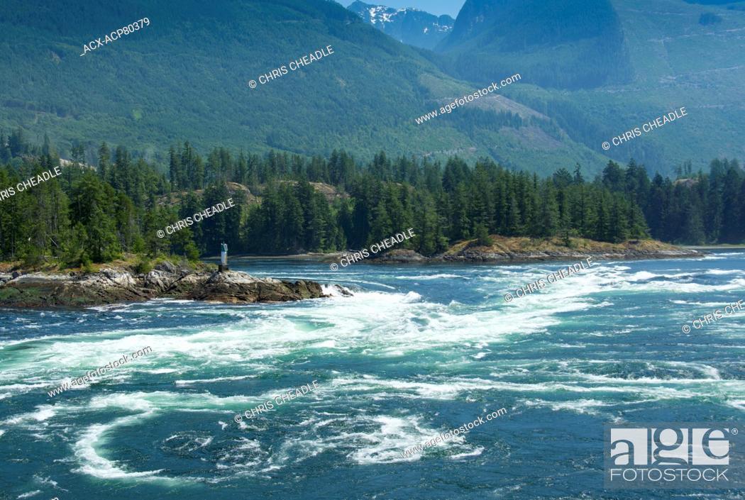 Stock Photo: Skookumchuck Narrows, ebb tide Sechelt Inlet, Sunshine Coast, British Columbia, Canada.
