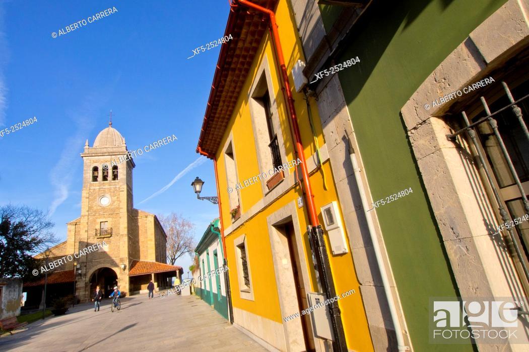 Imagen: Church of St. Mary, Iglesia Parroquial de Santa María de Luanco, Luanco, Asturias, Spain, Europe.