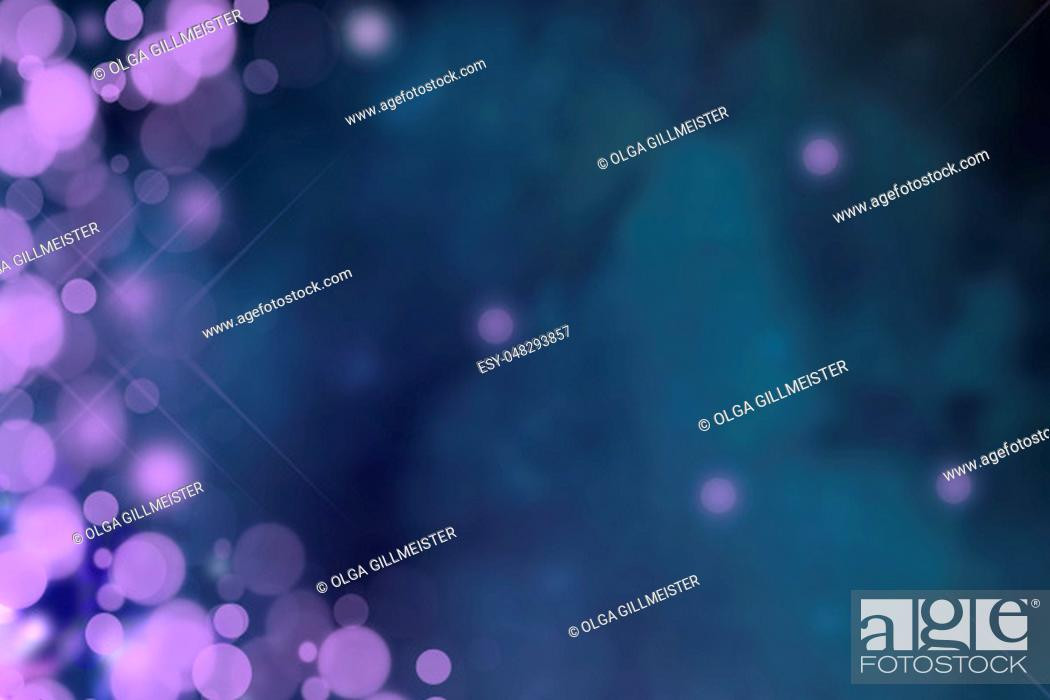 Imagen: Dark blurred blue background texture. Gradient abstract backdrop with purple light bokeh. Space.