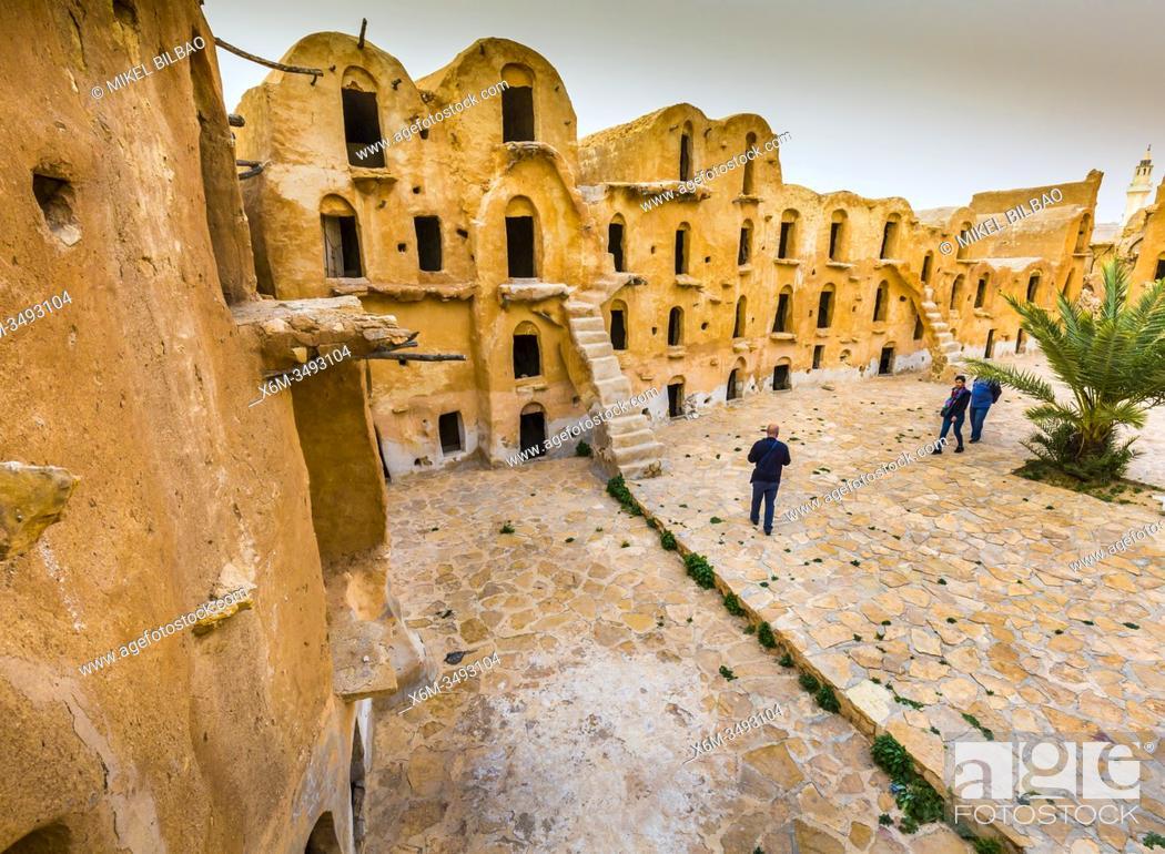 Imagen: Fortified granaries (ksar) courtyard. Ksar Ouled Soltane village. Tataouine district, Tunisia, Africa.