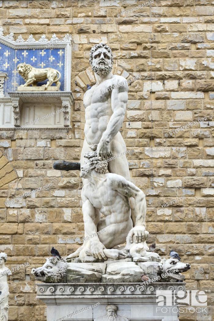 Imagen: Statue of Hercules and Cacus, Piazza della Signoria, Florence, Italy.