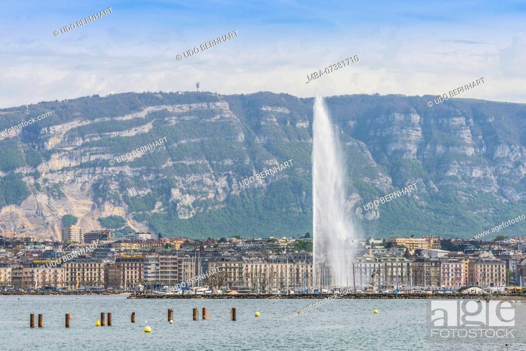 Imagen: View of lake with fountain Jet d'eau in front of waterfront, Geneva, Canton of Geneva, Western Switzerland, Switzerland.