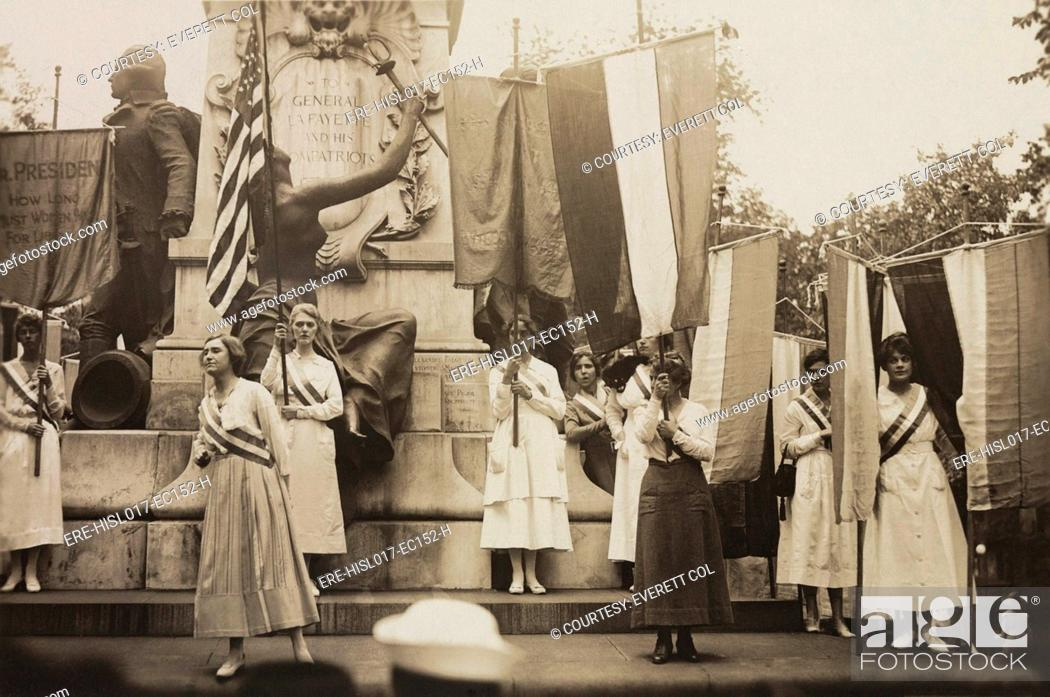 Stock Photo: Women's suffrage activists protest Woodrow Wilson's failure to support a constitutional amendment for votes for Women. 1918.