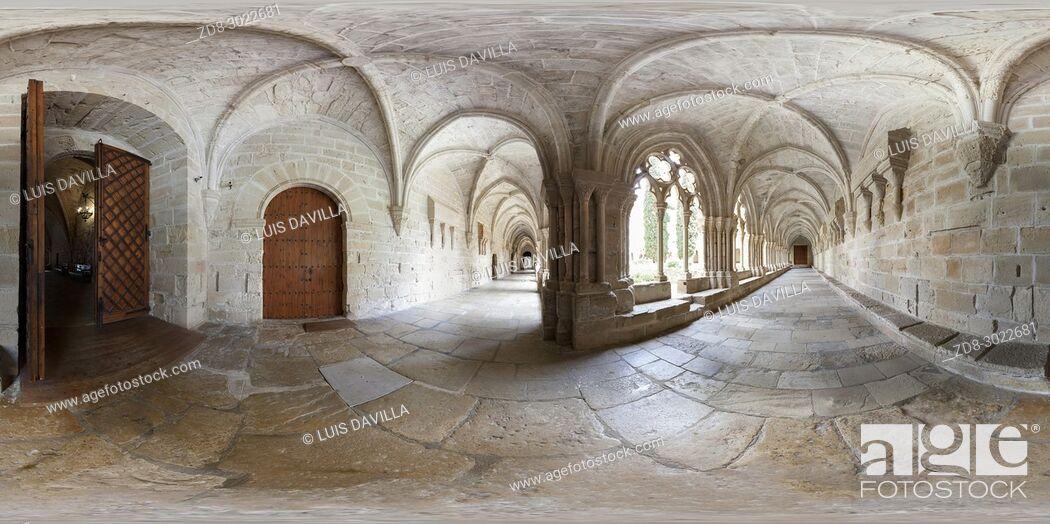Imagen: cloister of cister Monastery of Santa Maria de Vallbona. lleida. spain.
