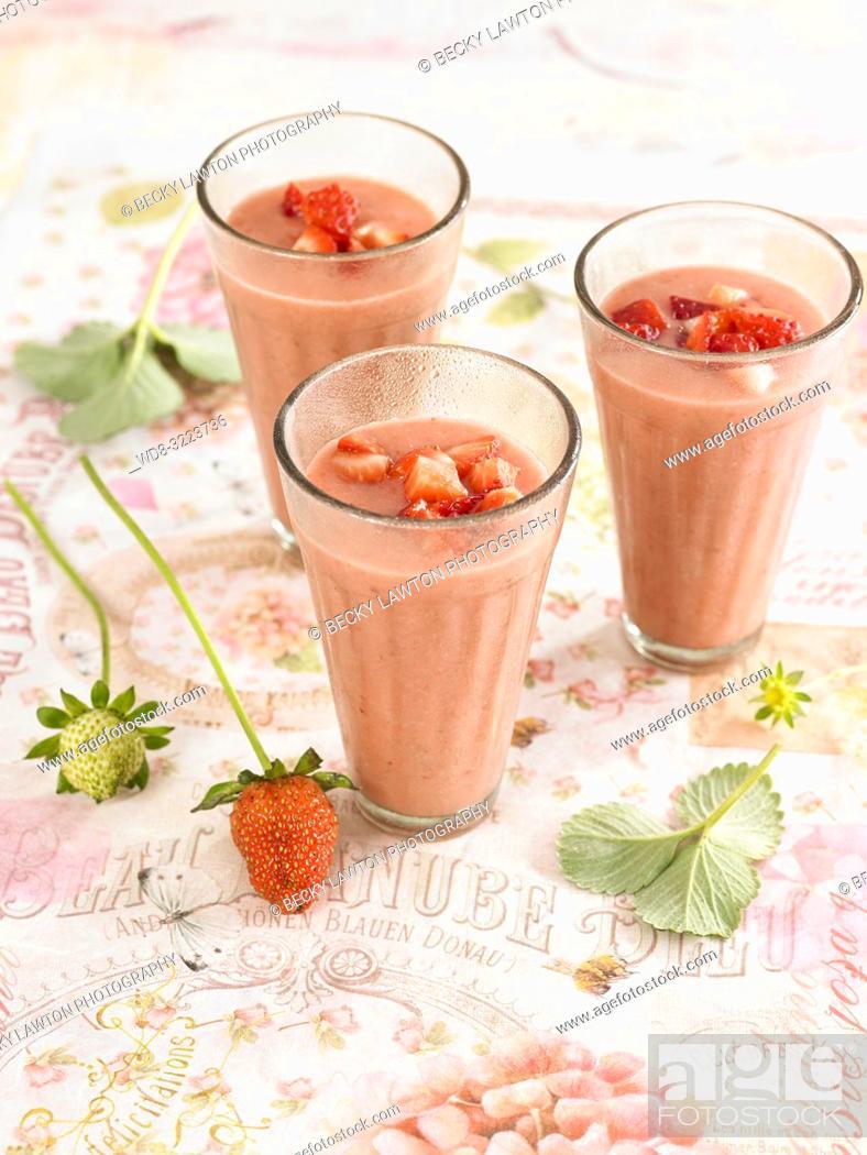 Stock Photo: gazpacho de fresas / Strawberry gazpacho.