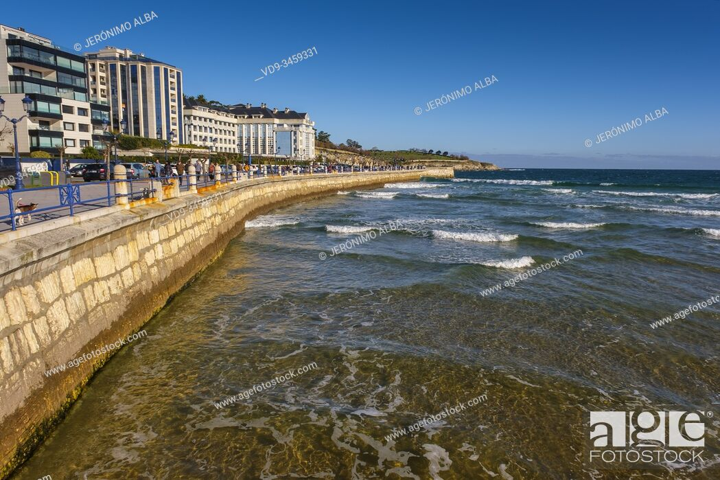 Imagen: Panoramic view. Sardinero beach. Santander, Cantabrian Sea. Cantabria, north Spain. Europe.