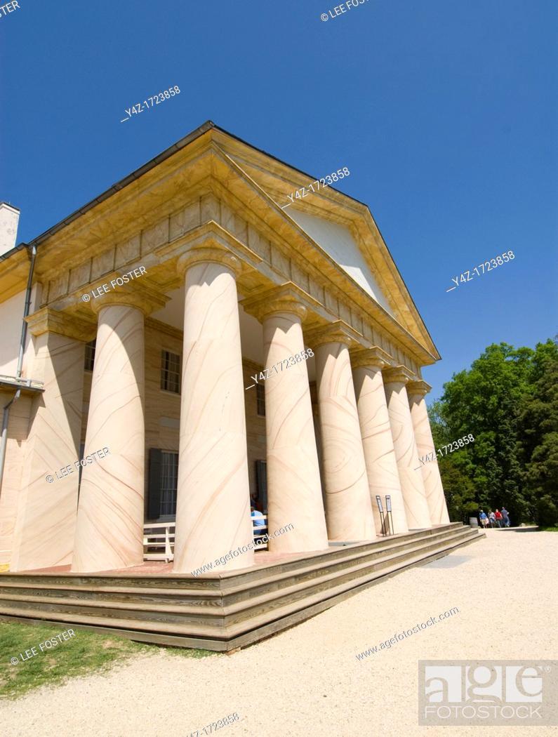 Stock Photo: Washington DC, USA, Arlington National Cemetery. Arlington House, ancestral home of Robert E Lee.