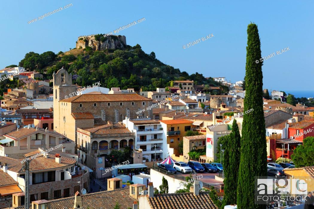 Imagen: Ruined castle above old town, Begur, Costa Brava, Catalonia, Spain, Europe.