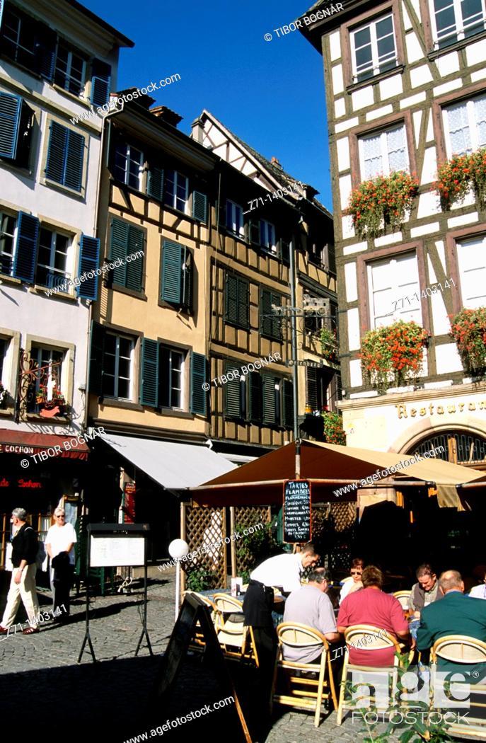 Stock Photo: France, Alsace, Strasbourg, street scene, restaurant, people,.