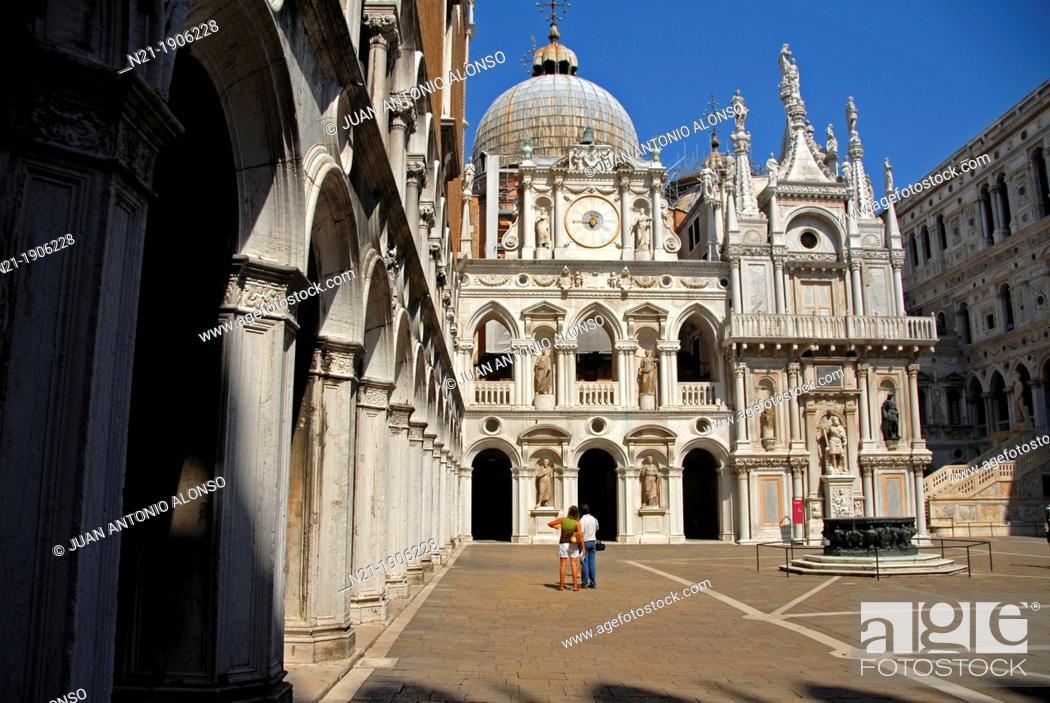 Doge S Palace Palazzo Ducale Courtyard Venice Veneto Italy