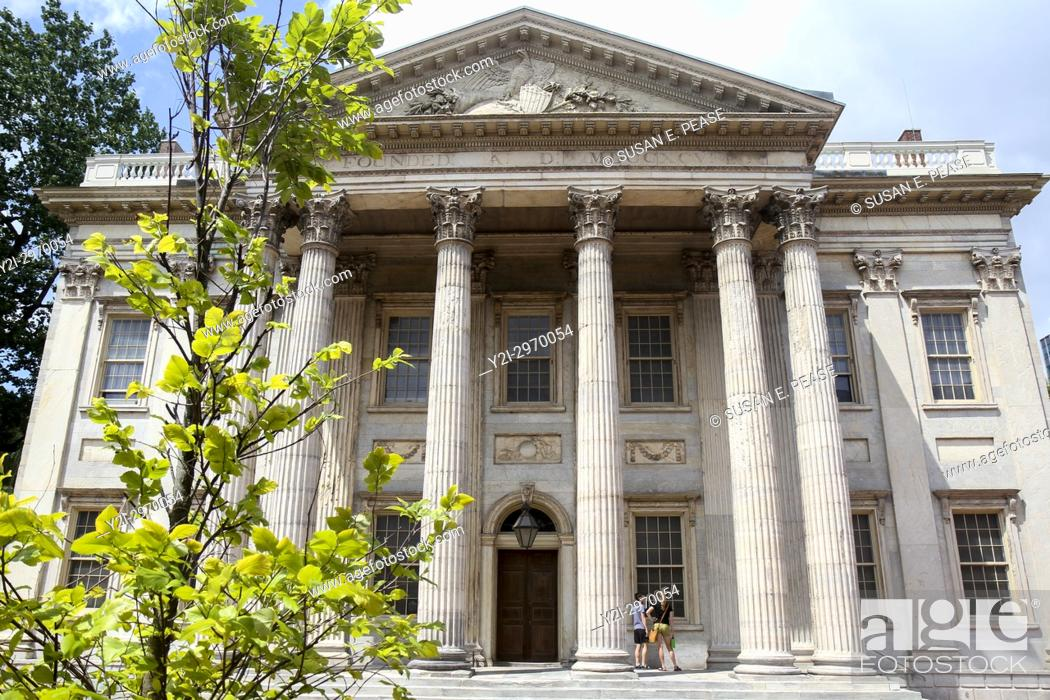Stock Photo: First Bank of the United States, completed in 1797, Philadelphia, Pennsylvania, United States.
