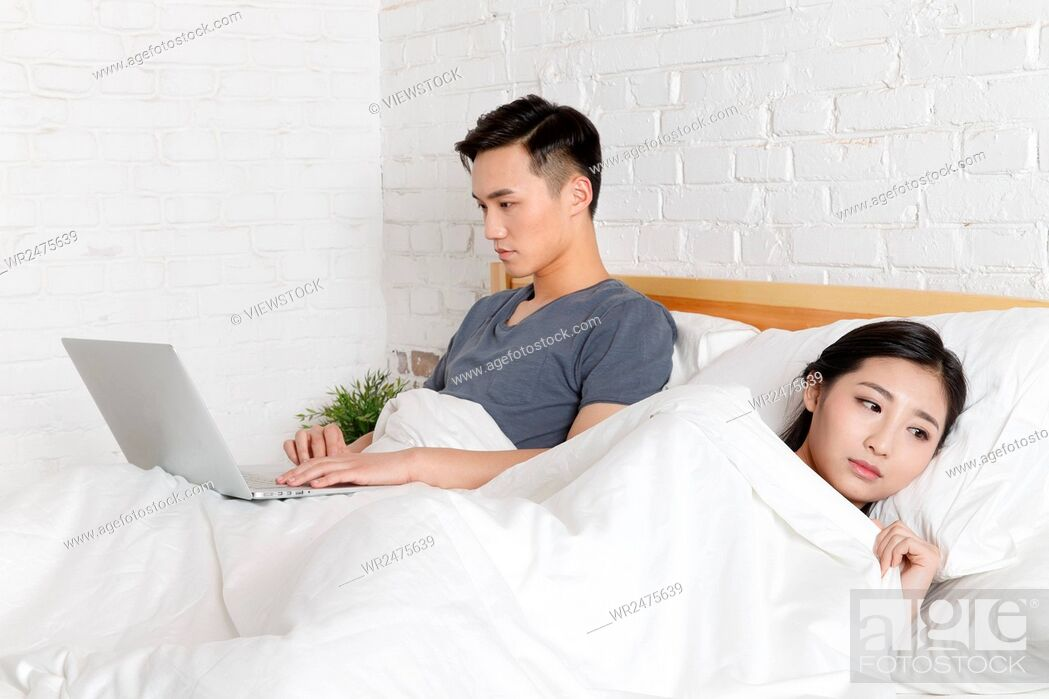 Stock Photo: Relationship tension young couple.