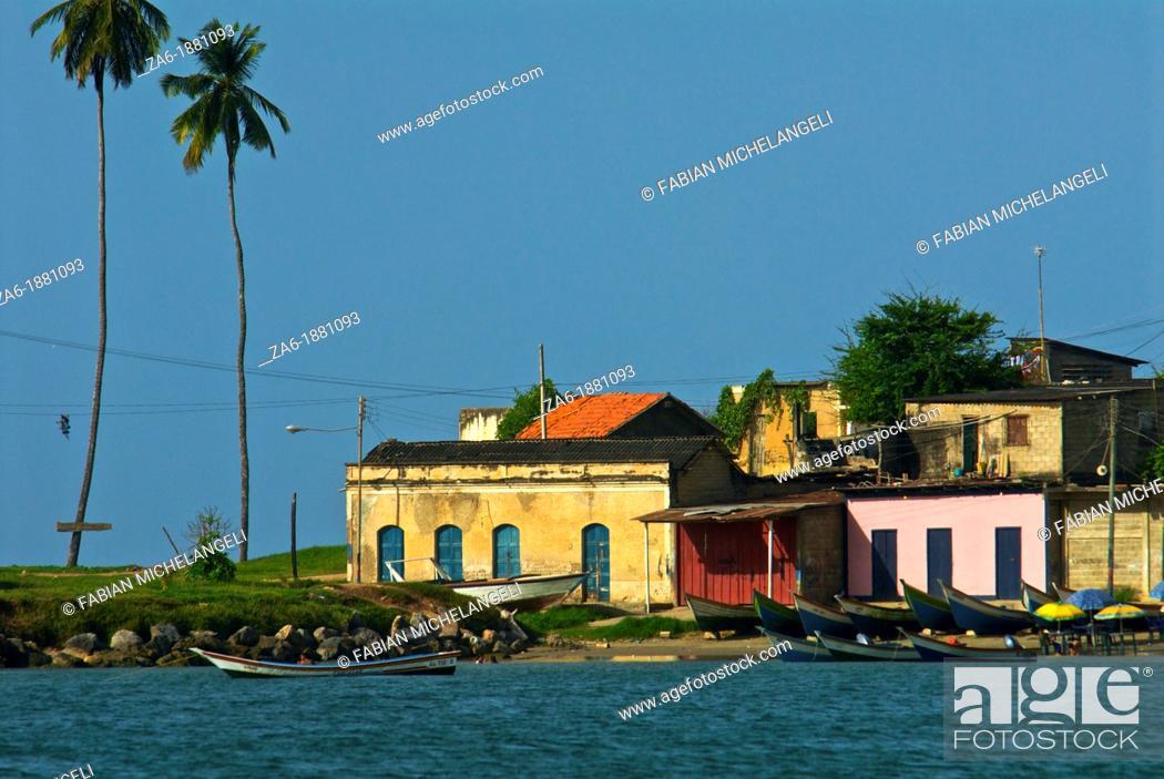 Imagen: Fishing boats in the village of San Juan de las Galdonas in the Paria peninsula, eastern coast of Venezuela.