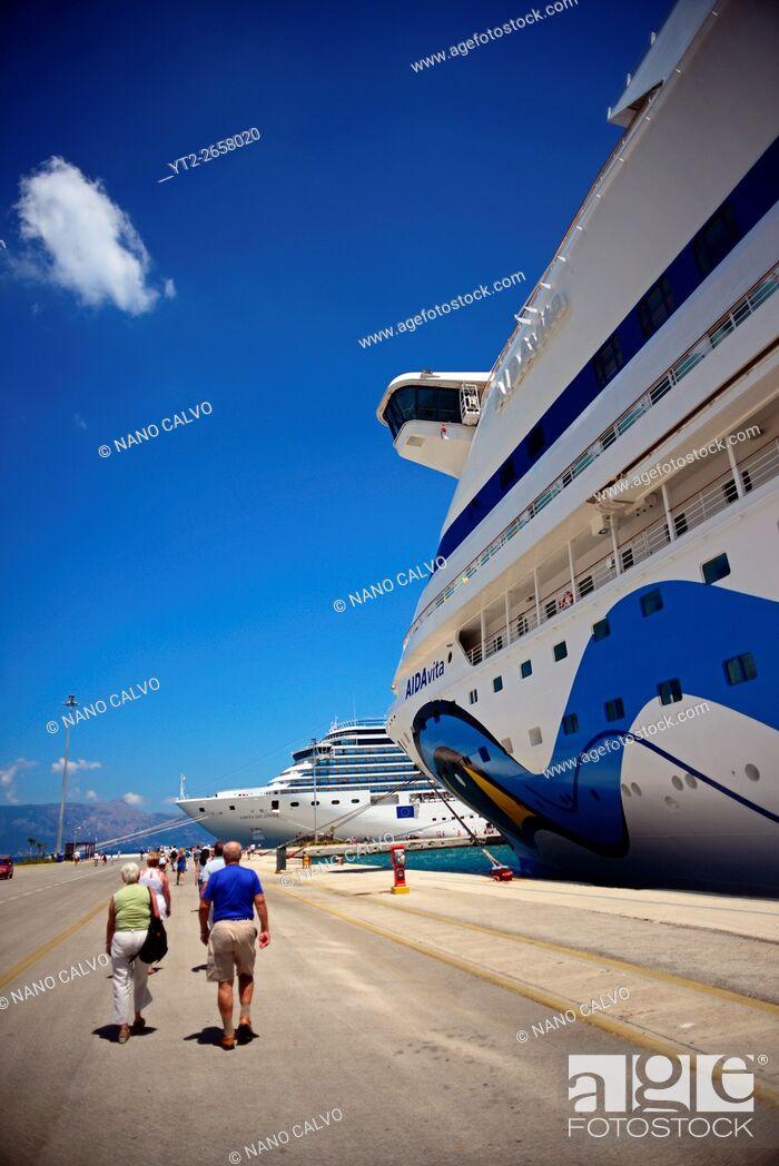Stock Photo: Luxurious cruise ships in Corfu, Greece.