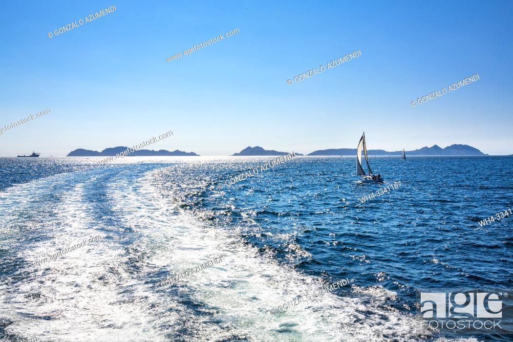 Stock Photo: Cruise from Cangas de Morrazo to Cíes Islands. Pontevedra Province. Galicia. Spain.
