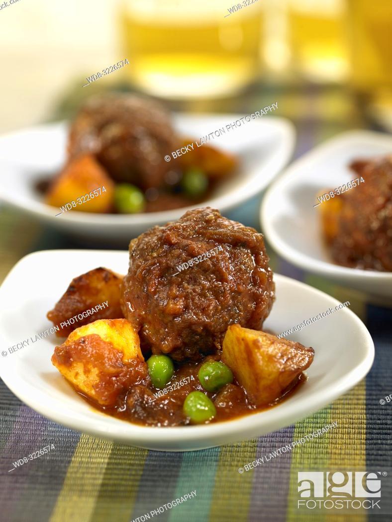 Stock Photo: cazuelita de albondigas de carne / meatballs.