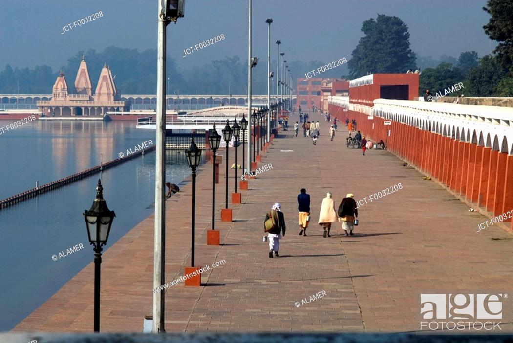 Stock Photo: India, Haryana, Kurukshetra, Brahma Sarovar.