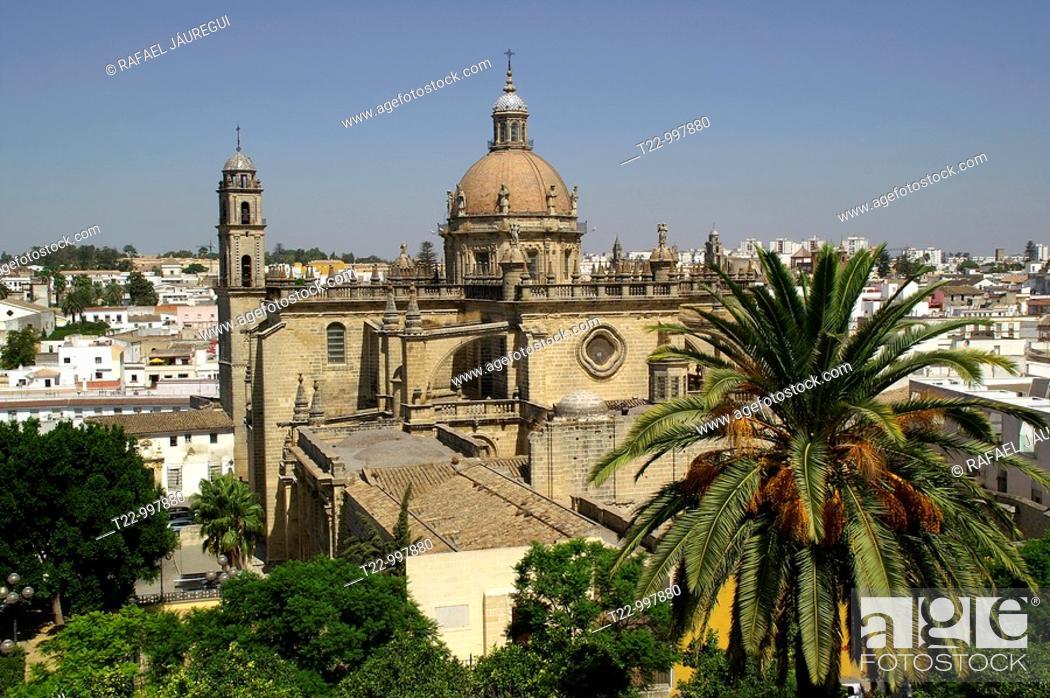 Stock Photo: Jerez de la Frontera Cádiz  España  Exterior de la Catedral de Jerez de la Frontera  Exterior of the Cathedral of Jerez de la Frontera.