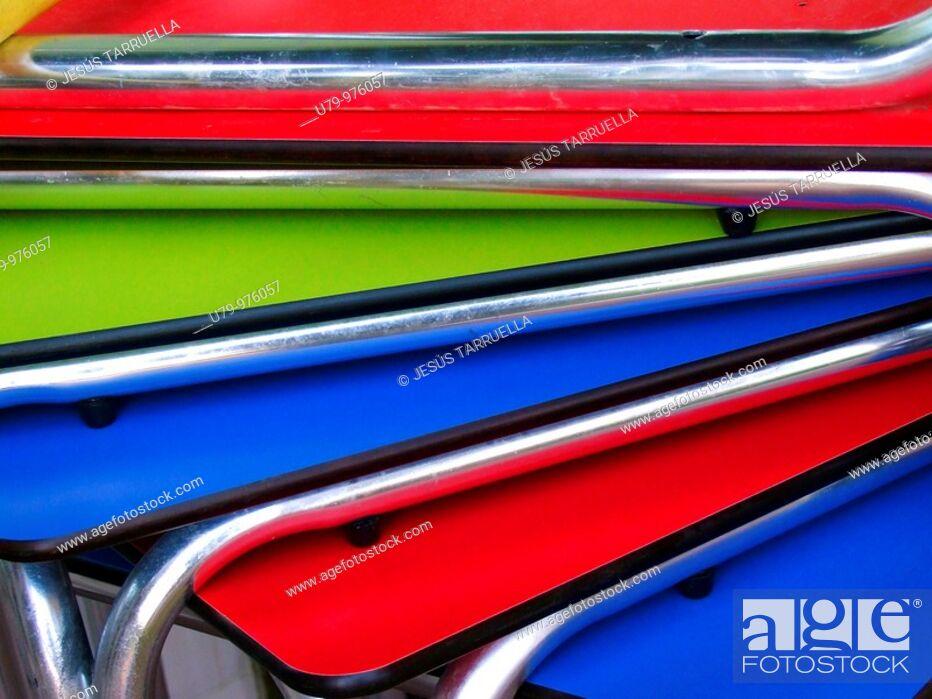 Stock Photo: Mesas de bar apiladas.