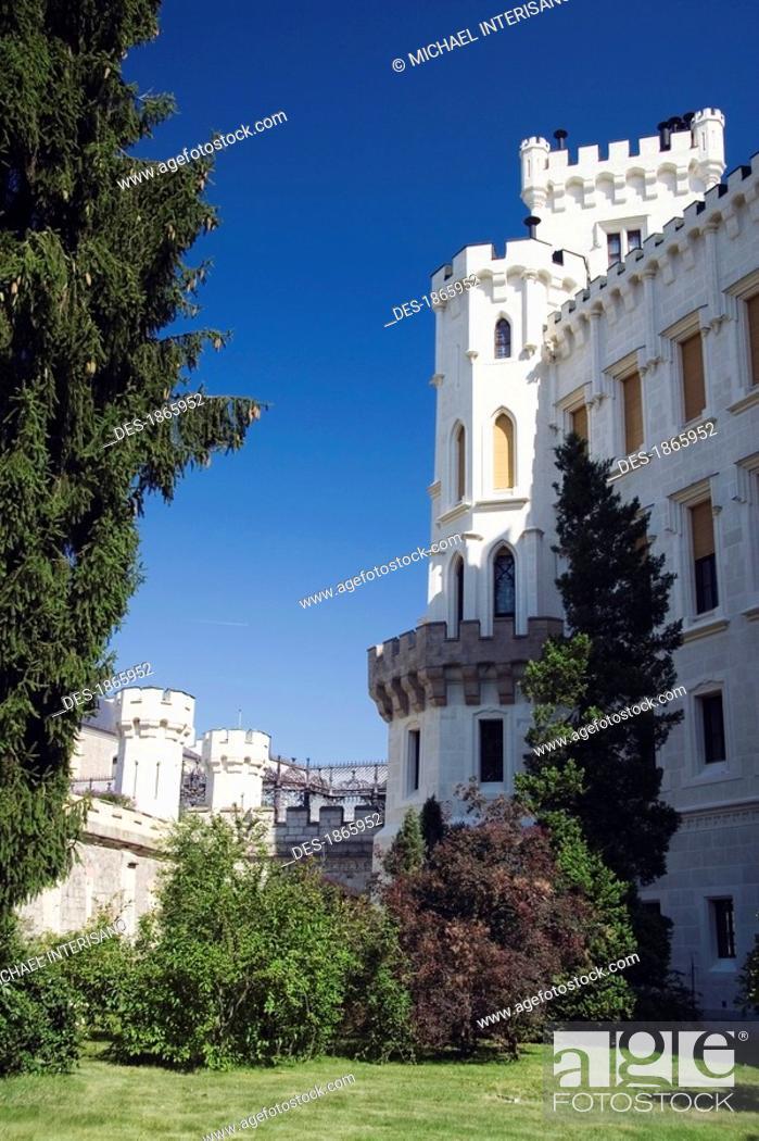 Stock Photo: hluboka chateau, hluboka nad vltavou, czech republic.