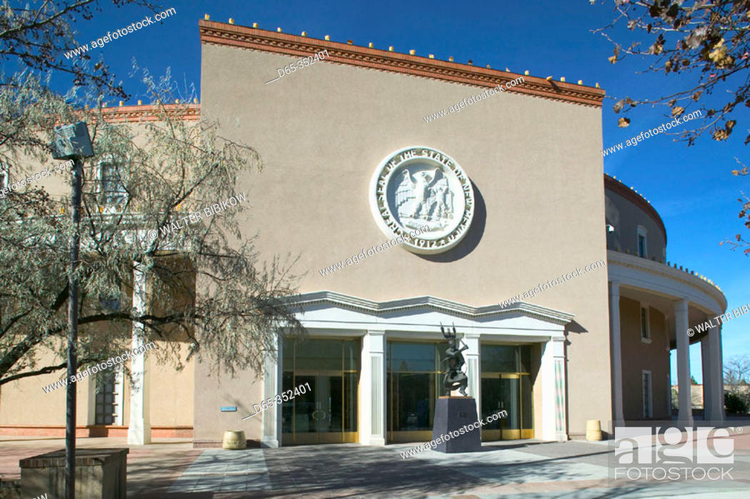 New Mexico State Capitol, the 'Roundhouse' building exterior