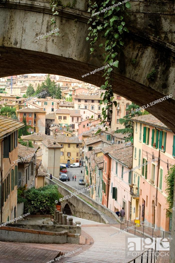 Imagen: Perugia, Acquedotto street, Umbria, Italy.