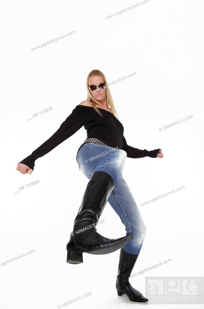 Stock Photo: Studioaufnahme - Fashion - Mode - Jeans einer jungen, blonden Frau - 30+ / Studioaufnahmen / *Model Released* / eingebettetes Farbprofil: ECI-RGB.