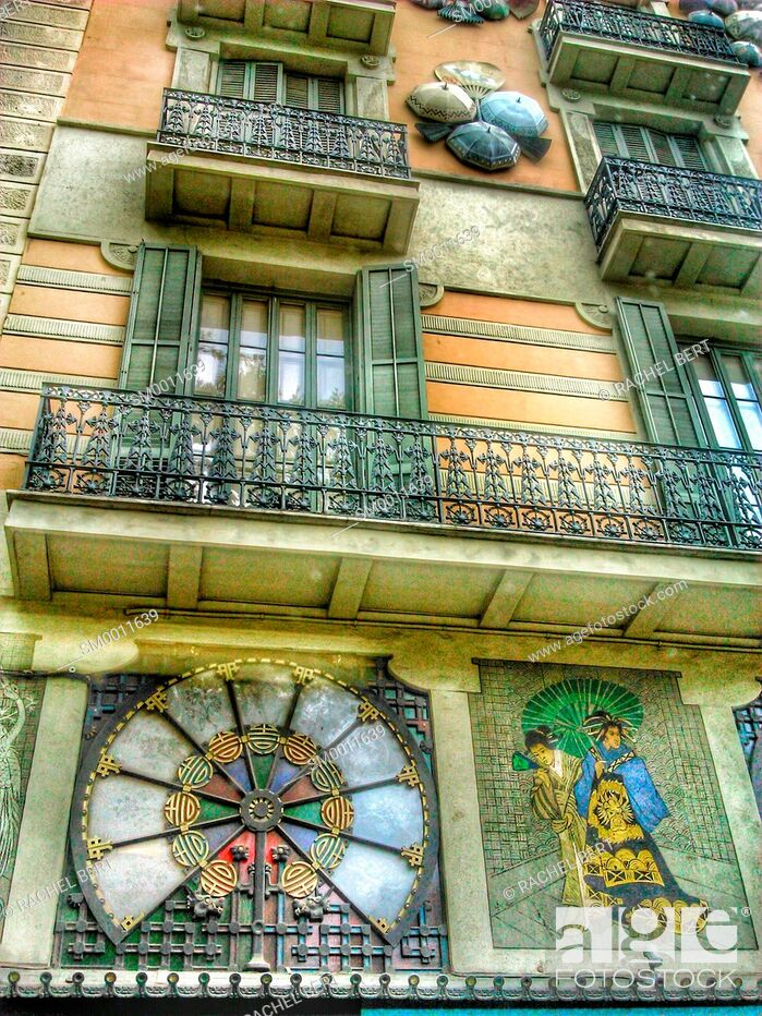 Imagen: Art nouveau decorations on Casa Bruno, La Rambla, Barcelona.