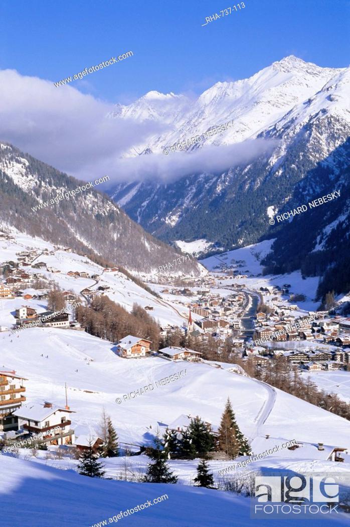 Stock Photo: Valley above town of Solden in the Austrian Alps, Tirol Tyrol, Austria, Europe.
