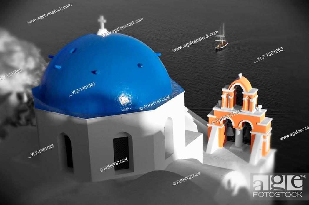 Photo de stock: Blue domed Byzantine Orthodox church, Oia (Ia) Santorini, Greek Cyclades islands.