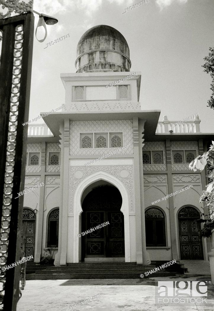 Stock Photo: Tonson Mosque the oldest mosque in Bangkok in Thailand in Southeast Asia Far East.