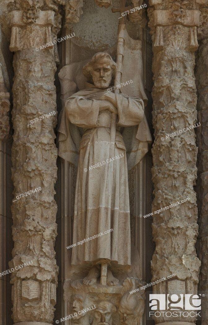 Stock Photo: Spain. Barcelona. Tibidabo. Temple Expiatori del Sagrat Cor, church, sculpture.