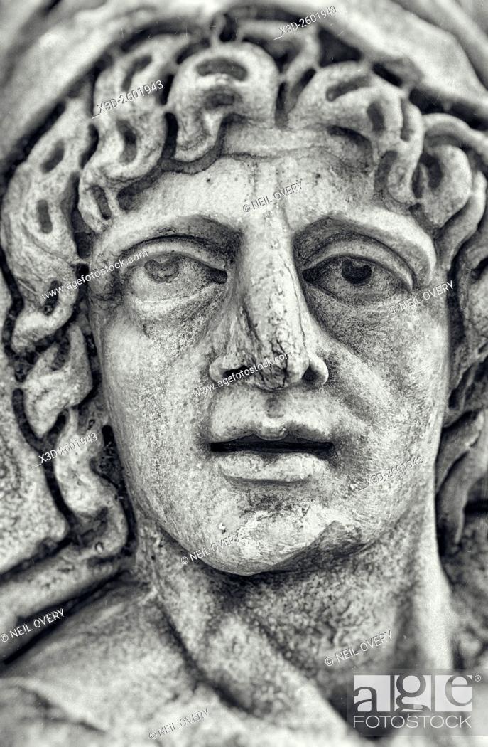 Imagen: Face of Lycian Statue, Myra, Turkey.