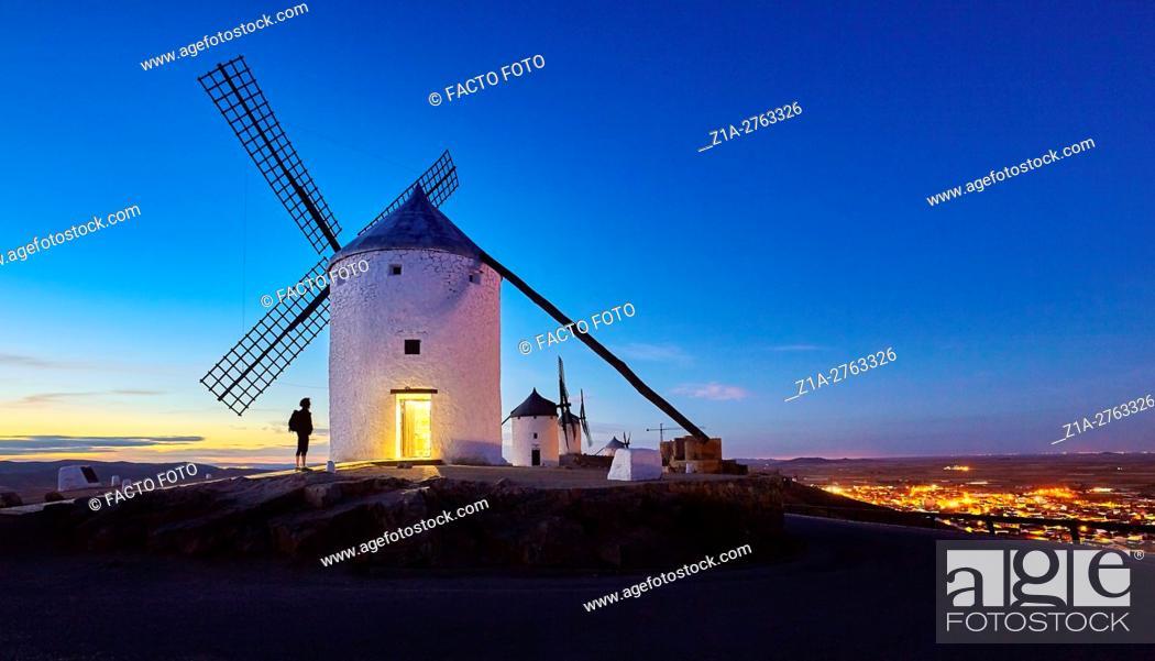 Imagen: Windmills of Consuegra. Don Quixote route. Toledo. Castile-La Mancha. Spain.