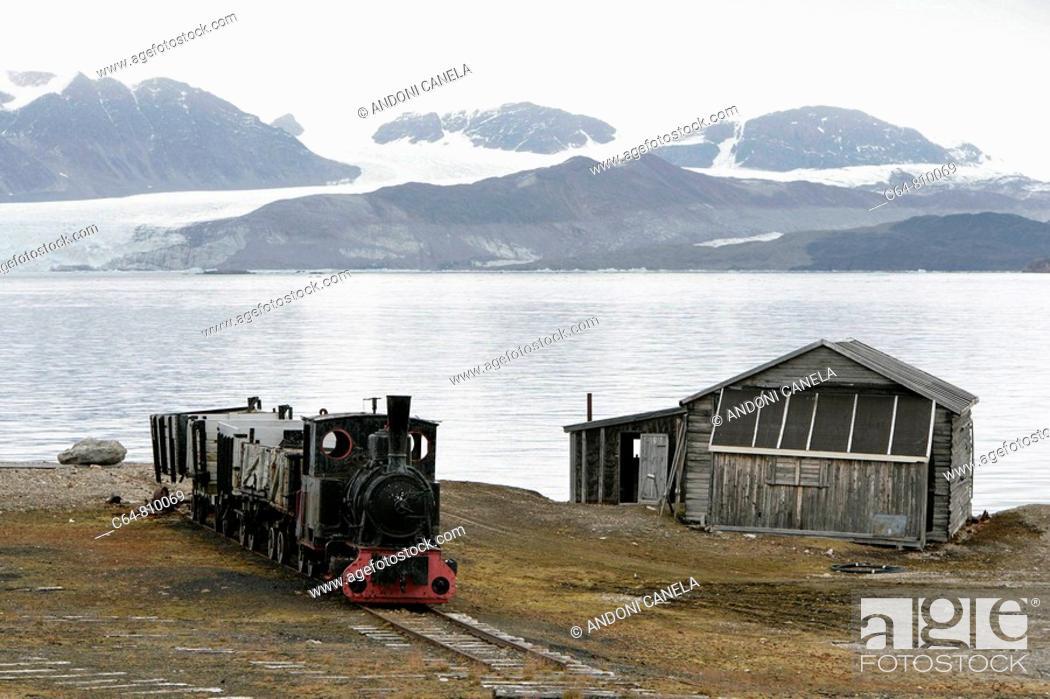 Stock Photo: Glaciers at Ny Alesund. Spitsbergen island, Svalbard archipelago, Arctic Ocean, Norway.
