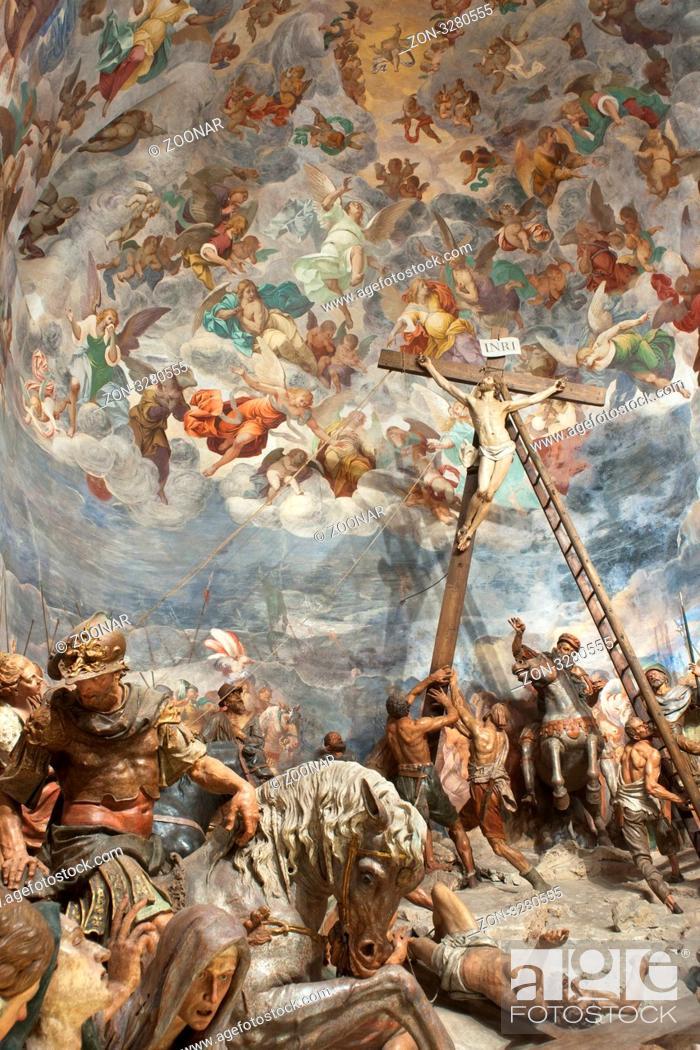 Varese Italien szene aus der kapelle mit der kreuzigung jesu des sacro monte di