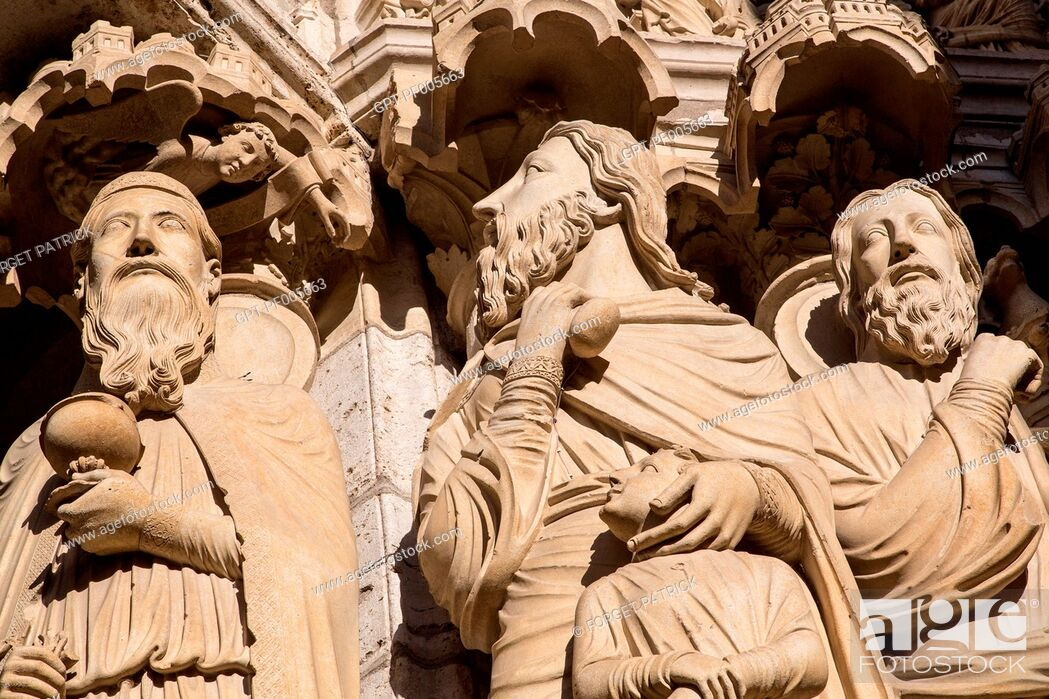 Stock Photo: DETAIL DES STATUES ON THE NORTH DOOR, NOTRE-DAME CATHEDRAL, CHARTRES (28), FRANCE.