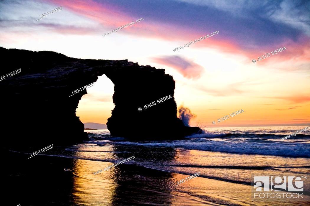 Stock Photo: As Catedrales beach 'Playa de las Catedrales'. Ribadeo. Lugo province. Galicia. Spain.
