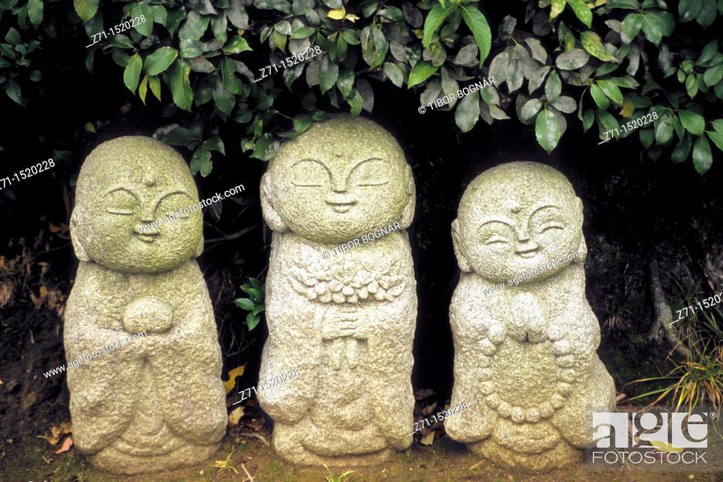 Stock Photo: Small stone Buddhas, Arashiyama, Kyoto, Kansai, Japan.