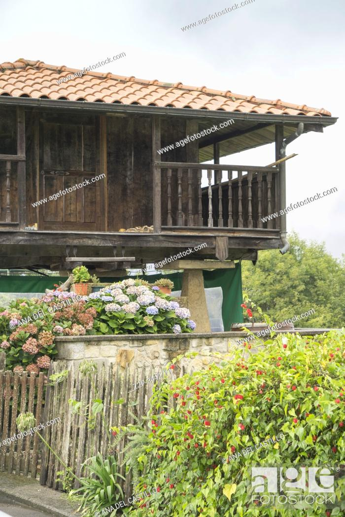 Imagen: Torazo village in the mountains of Asturias Spain on September 9, 2019.