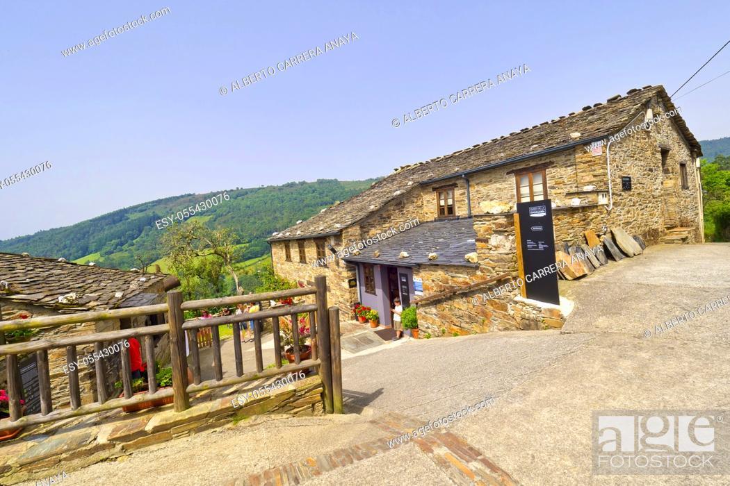 Imagen: Cutlery Museum, Street Scene, Tipycal Architecture, Pardiñas, Taramundi, Asturias, Spain, Europe.