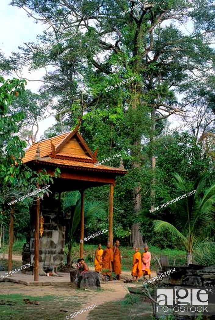 Stock Photo: Cambodia, Angkor, Angkor Thom, Monastery Near Tep Pranam.